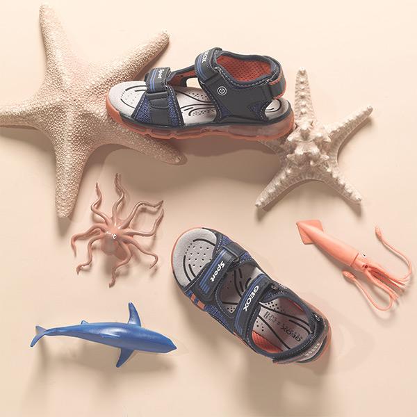 Poikien sandaalit