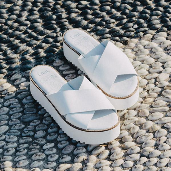 Sandaalit / Puukengät